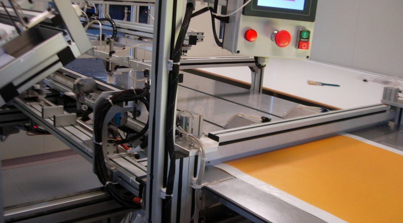 automazione taglio nastro-telini medici